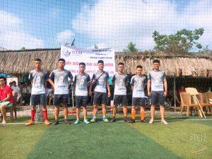 Giao hữu Giải bóng đá nam với sinh viên trường Đại học Công nghệ quản lí Hữu Nghị